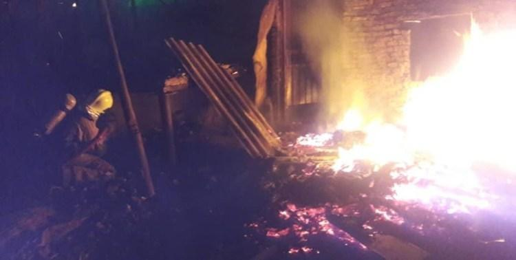 48 مصدوم در آتش سوزی مجتمع مسکونی 200 واحدی در اصفهان