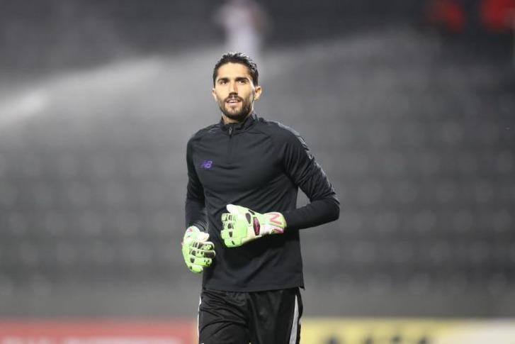 بعد از انجام تست کرونا؛ حسینی: یک جام بخرند و به آن ها بدهند