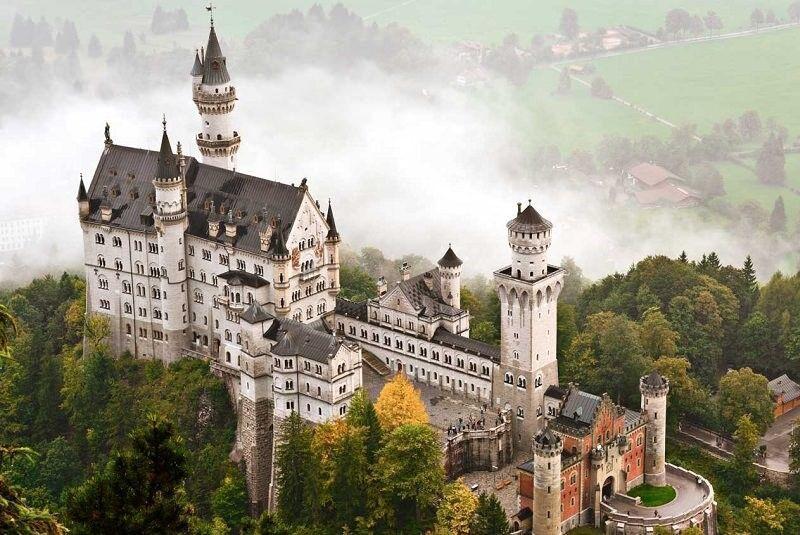 مهمترین جاذبه های اروپا که با ایوار تجربه خواهید کرد