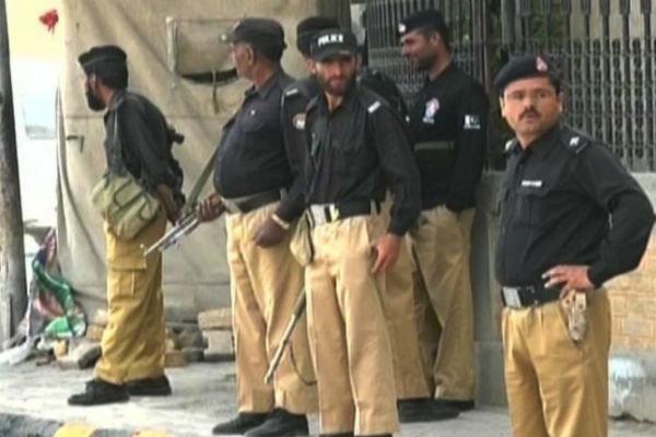 حمله افراد مسلح به ساختمان بورس اسلام آباد خنثی شد