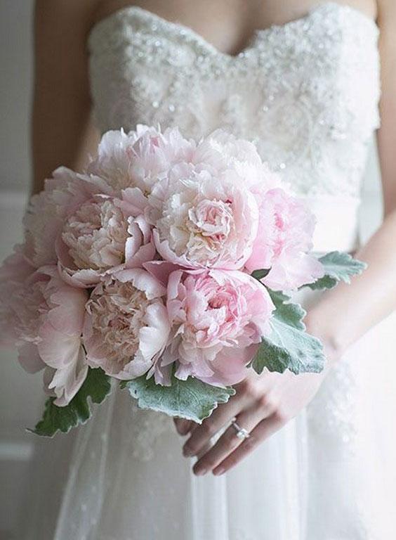 زیباترین انواع مدل دسته گل عروس با گل صد تومنی