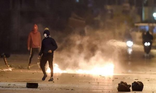 درگیری خشونت آمیز پلیس با معترضان در پایتخت تونس