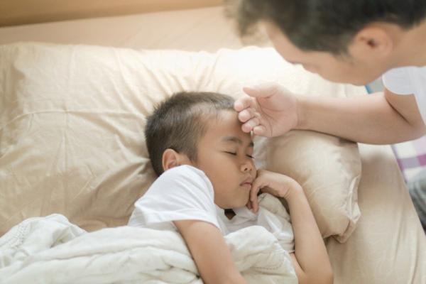 علائم کرونا تا چند ماه در بدن باقی می ماند؟